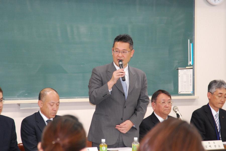 第1回 PTA理事会 - 活動報告 - 泉丘高校PTA活動報告